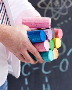 My Kids LOVE their sidewalk chalk! Professor Figgy's Easy Homemade Sidewalk Chalk (super fab craft for kids via sweet paul magazine) Diy Projects To Try, Crafts To Do, Projects For Kids, Diy For Kids, Crafts For Kids, Craft Kids, Party Crafts, Kids Fun, 40 Diy Gifts