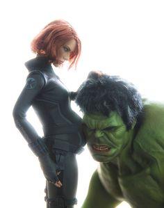 #Hulk #Fan #Art #Figures. (Hulk listens to Black Widows baby.) By Demilked. (THE * 5 * STÅR * ÅWARD * OF: * AW YEAH, IT'S MAJOR ÅWESOMENESS!!!™) ÅÅÅ+