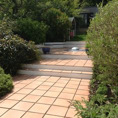 Originally designed about 10 years ago we returned to refurbish this garden and improve on the now mature planting