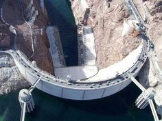 2017 Top 10 Places in Hoover Dam in Nevada, Top 10 Places and Attractions, Top 10 Places to visit, information and pictures on top 10 attractions and places. History Channel, Hoover Dam Construction, Lake Oroville, Arch Bridge, Concrete Structure, Travelling Tips, The Visitors, Canada Travel, Nevada