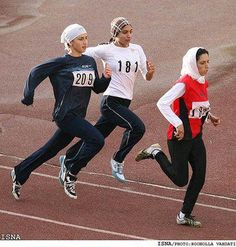 For years, Iranian women have been active in regional and international sports competitions, but religious laws in Iran prevent women from being seen … – Hijab Club Turban, Muslim Images, Full Support Bras, Islam, Iranian Women, Muslim Hijab, Turkish Fashion, Sport Fashion, Fitness Fashion