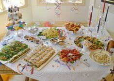 55 Ideas baby shower food ideas on a budget candy buffet Party Food On A Budget, Diy Party Food, Party Ideas, Diy Food, Shower Party, Baby Shower Parties, Baby Shower Finger Foods, Host A Party, 50th Party