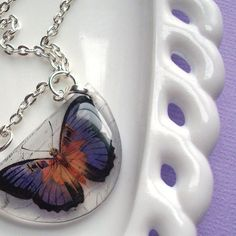 Butterfly necklace, resin necklace , purple and orange Resin Jewlery, Making Resin Jewellery, Resin Necklace, Stamped Jewelry, Sea Glass Jewelry, Resin Art, Ice Resin, Crystal Resin, Mixed Media Jewelry