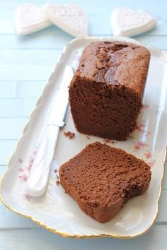 Butterless Chocolate Cake – My Favorite Gourmet Biscuits and Other Delights by enrikalag Healthy Dessert Recipes, Easy Desserts, Cake Recipes, Cheap Clean Eating, Clean Eating Snacks, Fluffy Chocolate Cake, Cake Chocolat, Ice Cream Candy, Savoury Cake