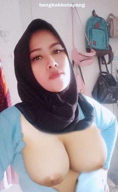 Dehati Girl Photo, Beautiful Muslim Women, Muslim Girls, Girl Photos, Bikini Tops, Boobs, Kiss, Sexy, Fashion