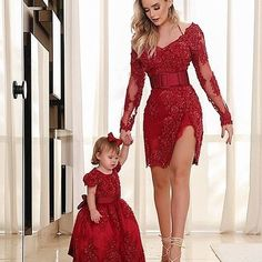 Mutter Tochter Kleidung Red Short Wide V Neck Bestickter Gürtel - Mother Daughter Fashion, Mother Daughter Matching Outfits, Mommy And Me Outfits, Mom Daughter, Matching Family Outfits, Kids Outfits, Mom Dress, Baby Dress, Girls Dresses