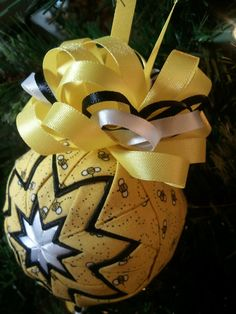 Busy Bees quilted ornament by AliAndaCreations on Etsy, $18.50