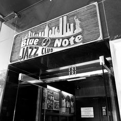 "L. O. Zahar Fotos (@lozahar) no Instagram: ""The Blue Note Jazz Club, NY #bluenote #jazz #nyc #bnw #bnw_society #bw_addiction #bw_perfect…"""