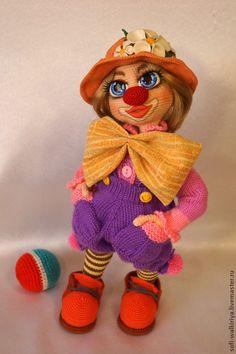 Купить Клоунесса Агнесса - клоуны, клоун, клоунесса, кукла, вязаная игрушка, игрушка крючком