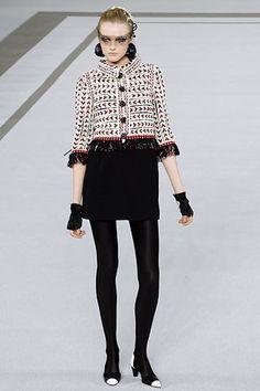 Chanel Spring 2007 Couture Fashion Show - Vlada Roslyakova