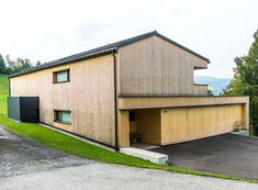 HAUS s egg — ARCHITEKTUR Jürgen Hagspiel Amazing Architecture, Planer, Shed, Barn, Outdoor Structures, House Design, Vacation, Eggplant, Country Homes