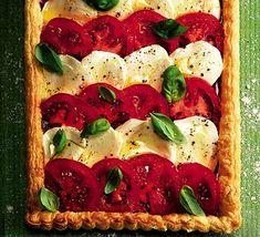 tomato and mozerella tart with roast pepper pesto