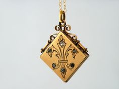 Victorian Antique Locket, Fleur de Lis Fob Locket / 9ct Gold Fill with Rhinestones  - 20 Inch Gold Fill Chain Included