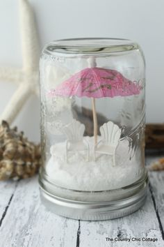 Mason Jars Beach Mason Jar Terrariums -- the perfect way to decorate for summer! Add any miniatures you love!Beach Mason Jar Terrariums -- the perfect way to decorate for summer! Add any miniatures you love! Presents For Best Friends, Diy Gifts For Friends, Best Friend Gifts, Beach Mason Jars, Mason Jar Crafts, Home Crafts, Diy And Crafts, Crafts For Kids, Mason Jar Terrarium