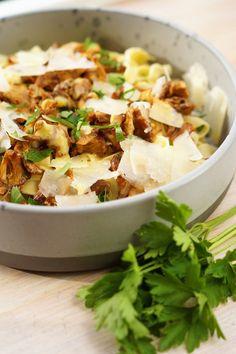 Frisk, Parmesan, Potato Salad, Food And Drink, Potatoes, Pasta, Ethnic Recipes, Potato, Noodles