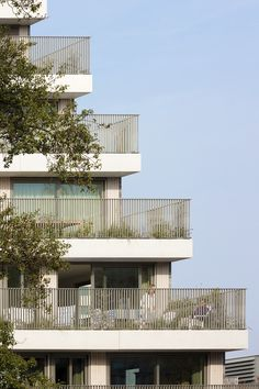 NL architects cloaks 'klencke' amsterdam homes in a 'veil' of vegetation Facade Architecture, Landscape Architecture, Balcony Railing, Residential Complex, Social Housing, Traditional Landscape, Building Exterior, Facade Design, Cool Landscapes