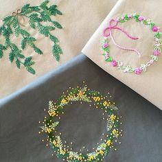 娘=発熱で予定がキャンセル。 朝から晩まで刺しゅう三昧^^; 全部ベースは一緒なのに色や刺し方で雰囲気変わるのが刺しゅうの楽しさかも #刺しゅう #刺繍 #embroidery #DMC #wreathe #リース #ミモザ #mimosa