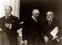 William Howard Taft, Warren G. Harding, and Robert Todd Lincoln, standing, left to right