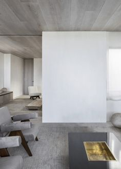 Good design knows no bounds in the globalised society we live in. We're championing our top 10 international architects and interior designers in Interior Design Studio, Interior Styling, Interior Decorating, Welcome Design, Spanish House, Global Design, Minimalist Interior, Lounge Areas, Interior Inspiration