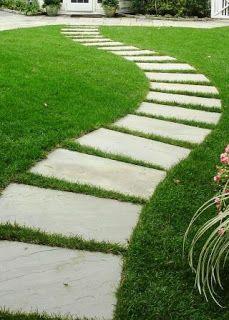 30 Newest Stepping Stone Pathway Ideas For Your Garden Garden Steps, Easy Garden, Garden Paths, Backyard Walkway, Backyard Landscaping, Landscaping Ideas, Landscaping Borders, Landscape Edging Stone, Landscape Steps