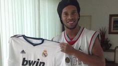 Cristiano #Ronaldo le regaló su camiseta a Ronaldinho. #Depor