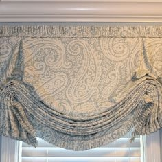 Decorative Fancy Window Shades - Custom Shades for Windows Bathroom Window Coverings, Window Cornices, Valance Window Treatments, Kitchen Window Treatments, Bathroom Windows, Custom Window Treatments, Window Seats, Traditional Window Treatments, Traditional Windows