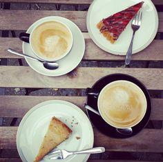 Am Wochenendewurde die neuste Kaffee-Lokalität von meiner Freundin Lauri ausgewählt. Da sie zumeist versucht vegan zu leben, fiel die Wahl auf dasCafé Fatschin derJosephskirchstraße in Kalk. Ih…