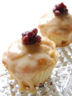Patbingsu cupcakes - sweet red beans, condensed milk & sticky rice cakes in cupcakes!