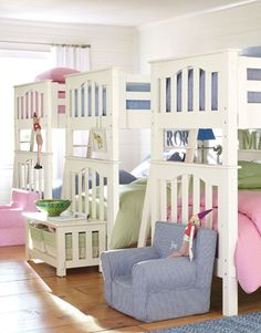 I want to have 6 kids just so I can put them in the same room like this.