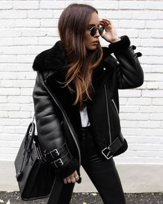 Looks com jaqueta Shearling - Glanz Urban Fashion, Look Fashion, Fashion Outfits, Fashion Clothes, Fashion Edgy, Cheap Fashion, Fashion 2017, Affordable Fashion, Fashion Boots