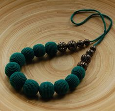 Crochet emerald beads / necklace by Tamhippopo on Etsy