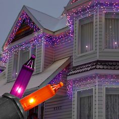 Halloweein icicle lights! 150 Purple / Orange Halloween Icicle Lights - Black Wire