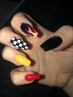 Make an original manicure for Valentine's Day - My Nails Simple Acrylic Nails, Summer Acrylic Nails, Best Acrylic Nails, Pastel Nails, Yellow Nails, Grunge Nails, Edgy Nails, Aycrlic Nails, Trendy Nails