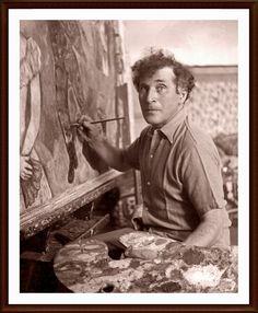 """31. MARC CHAGALL (1887-1985) – Artista de sueños y fantasías, Chagall fue toda su vida un inmigrante fascinado por las luces y colores de los lugares que visitaba. Pocos nombres de la Escuela de París de principios del siglo XX han contribuido tanto y con tal variedad a cambiar el Arte del siglo XX como este extranjero """"impresionado por la luz"""", como el mismo se definía."""