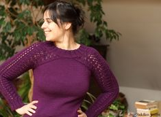Bloomsbury - This cosy sweater will keep you warm and happy during cold days. Original top down seamless construction makes it a fun and quick knit. Easy to memorize lace pattern creates a romantic and feminine look. Lace Patterns, Knitting Patterns, Ravelry, Quick Knits, Cascade Yarn, Chunky Yarn, Pullover, Bloomsbury, Cold Day