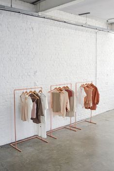 Minimal Copper Pipe Clothing Rail / Garment Rack / Clothes Storage / Retail Display Minimal Copper T Copper Diy, Copper Metal, Copper Pipes, Clothing Store Interior, Clothing Storage, Retail Clothing Racks, Clothing Store Displays, Clothing Store Design, Open Clothes Storage