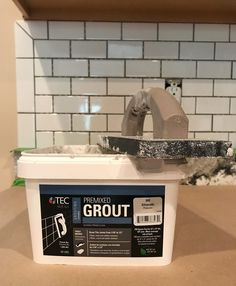Never tiled before? Installing a subway tile kitchen backsplash is one of the easiest places Backsplash Cheap, Subway Tile Kitchen, Subway Tile Backsplash, Kitchen Backsplash Diy, Young House Love, Cheap Baths, Refacing Kitchen Cabinets, White Cabinets, Shopping