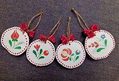RebekaP / Farebné - ľudové - drevené ozdôbky Christmas Ornaments, Holiday Decor, Home Decor, Decoration Home, Room Decor, Christmas Jewelry, Christmas Decorations, Home Interior Design, Christmas Decor