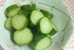 Savanyú uborka 10 perc alatt recept képpel. Hozzávalók és az elkészítés részletes leírása. A savanyú uborka 10 perc alatt elkészítési ideje: 3 perc
