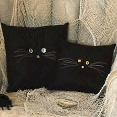 Halloween Black Cat Pillow Easy to make. Black fabric or a black pillow case. tack with needle and thread; paint or embroider the face. Black Cat looking for a Witch. Holidays Halloween, Halloween Crafts, Holiday Crafts, Holiday Fun, Halloween Decorations, Halloween Ideas, Outdoor Halloween, Halloween Sewing Projects, Halloween Countdown