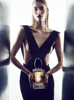 Giorgio #Armani Sì fragrance and velvet overalls - Parfumerie et parapharmacie - Parfumeries - Giorgio Armani
