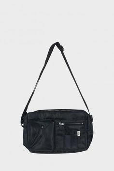 Billedresultat for mads nørgaard bæltetaske Crossbody Bags For Travel, Travel Bags, Tote Bag, Weekly Outfits, Bel Air, Gifts For Girls, Everyday Fashion, Purses And Bags, Air Jordans