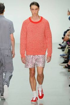 Richard Nicoll Spring 2015 Menswear Collection Slideshow on Style.com