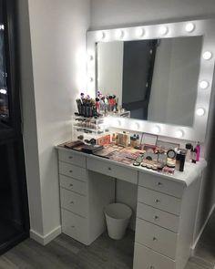 Toaletka do makijażu z szufladami ECO LUNA DELUXE Bedroom Lamps Design, Grey Bedroom Decor, Stylish Bedroom, Room Ideas Bedroom, Home Room Design, Vanity Makeup Rooms, Vanity Room, Beauty Room Decor, Makeup Room Decor