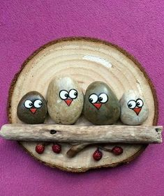Stones and rocks can be found in many places. Do you know that they can be used to make many beautiful crafts? Look at the DIY stone crafts we collected for you today, it will certainly open your eyes! From gifts to fantastic home decorations, here Stone Crafts, Rock Crafts, Fun Crafts, Diy And Crafts, Arts And Crafts, Crafts With Rocks, Pebble Painting, Stone Painting, Rock Painting