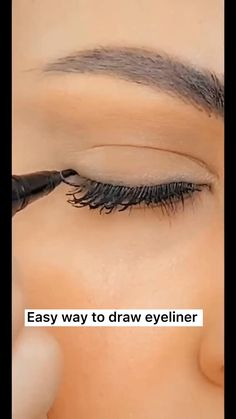 Eyeliner Make-up, Makeup Tutorial Eyeliner, Makeup Looks Tutorial, Eyeshadow Makeup, Eyeliner Hacks, Eyeliner Styles, Eyeliner Ideas, How To Eyeshadow, How To Eyeliner