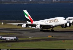 Airbus A380-861, Emirates, A6-EET, cn 142, 489 passengers, first flight 6.11.2013, Emirates delivered 27.3.2014. Active, for example 28.9.2016 flight Dubai - Sydney. Foto: Sydney, Australia, 15.9.2016.