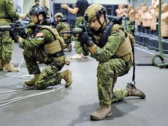 Canadian Army, Shooting Sports, Military Guns, Canada, Special Forces, Law Enforcement, Armed Forces, Warfare, Airsoft