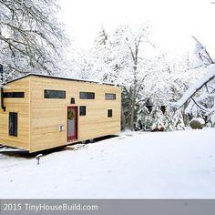 **Andrew und Gabriele Morrison aus Oregon (USA) leben ihren Traum: Sie tauschten ihr luxuriöses amerikanisches Eigenheim gegen ein minimalistisches Häuschen …