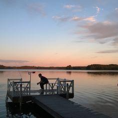 Our house is for sale - Talomme on myytävänä Puruveden äärellä 50 m rantaa Tontti 1 700 m² Asuinpinta-ala 154 m² Hintapyyntö 462 000 € Etsitkö itsellesi uutta kotia järven rannalta? Täältä voi löytyä unelmiesi kohde. Puruveden rannalla Punkaharjulla! Omaa rantaviivaa 50 m, talosta 15 m järveen! www.pinterest.com/houseforsalefin Ota yhteyttä Mahkonen p 358 50 2504 #Punkaharju #Suomi #Finland #talo #house #forsale #talomyytävänä #syksy #Puruvesi #järvi #houseforsale #lake